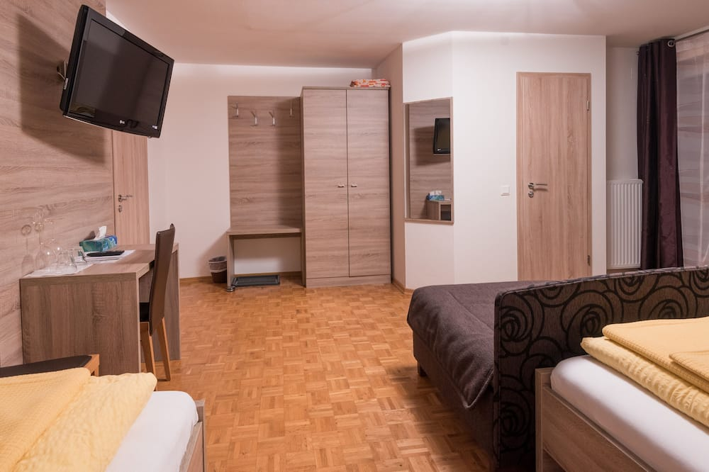 Comfort Studio, 1 Bedroom, Non Smoking, Mountainside - Living Area