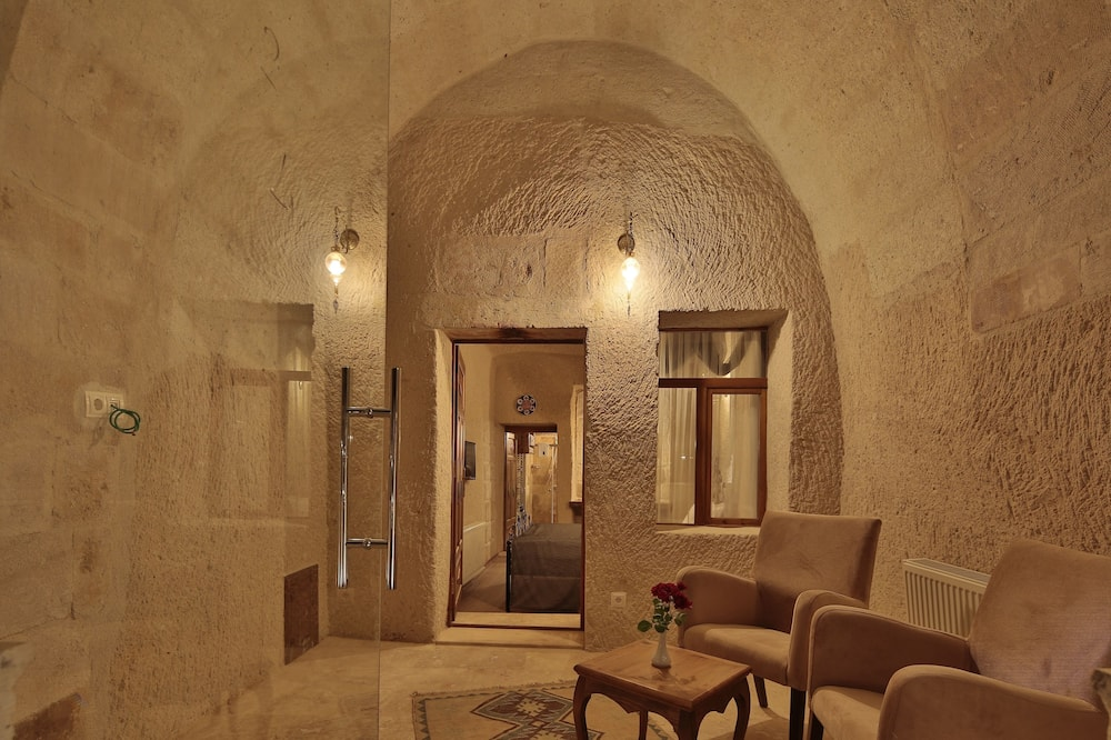 Traditional Suite - Living Area