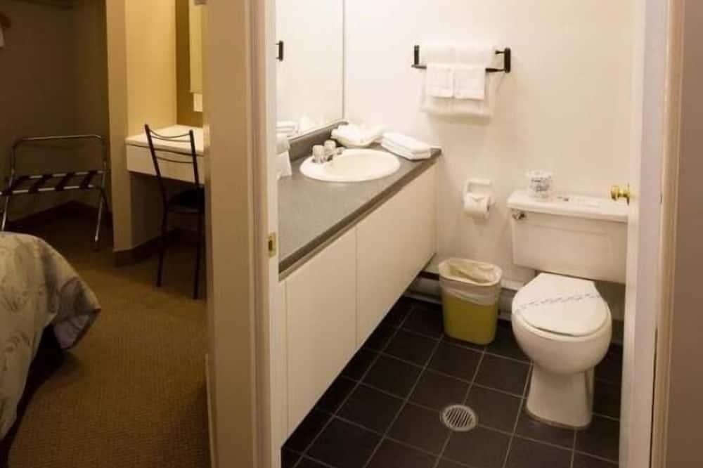Sviitti, 1 keskisuuri parisänky - Kylpyhuone