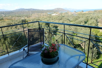 Picture of Dialinas Apartments in Agios Nikolaos