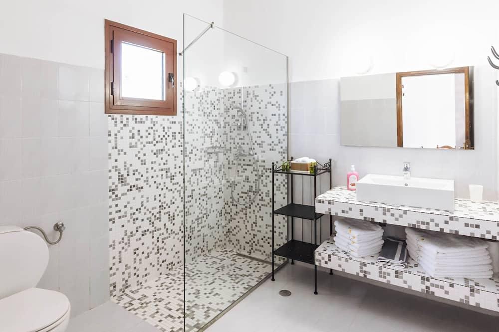 Apartment, 2 Bedrooms - Bathroom