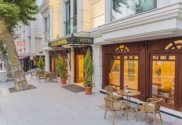Grand Naki Hotel, Istanbul, Hotellets front