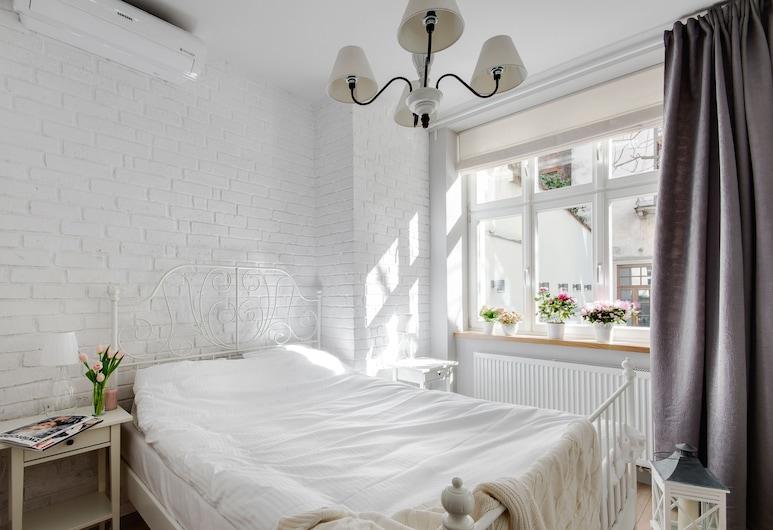 Too-good Apartments, Krakow