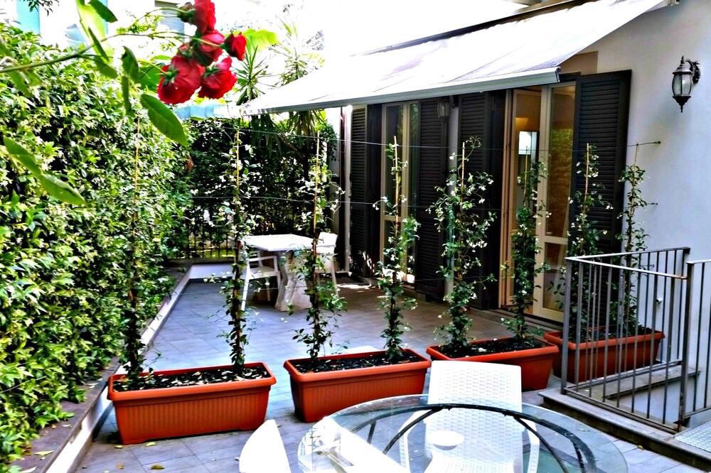Paaugstināta komforta divvietīgs numurs, apsildāms kubuls, dārza puse - Balkons