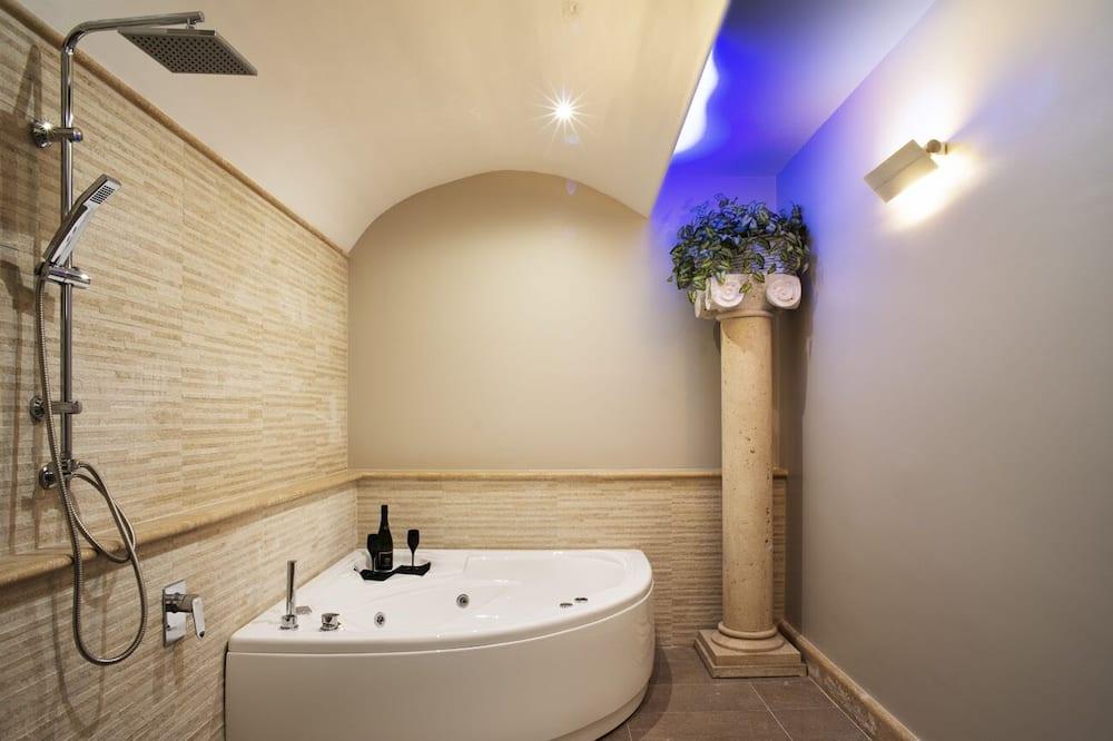Kooperatīva tūristu mītne, apsildāms kubuls - Privātā spa vanna