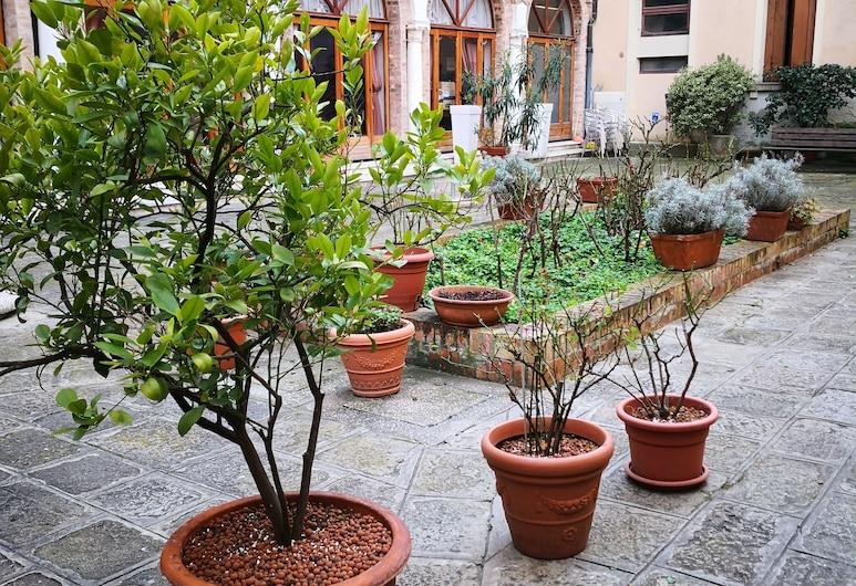 Domus Ciliota, Veneza, Pátio