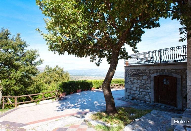 Le Coccole, Guardiaregia, A szálláshely külső területe