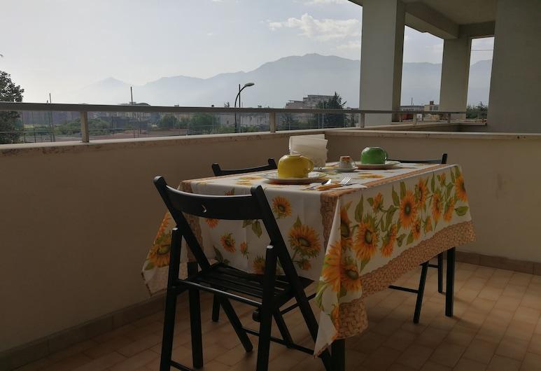 AreA DomuS, Pompeia, Quarto triplo conforto, Várias camas, Banheiro privativo, Do lado da montanha, Terraço/pátio
