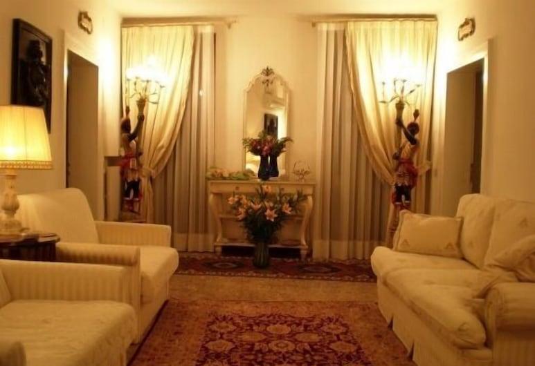 La Corte dei Dogi, Venice, Lobby Sitting Area