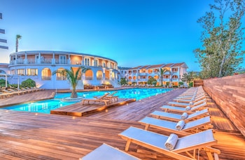 Picture of Bitzaro Palace Hotel - All inclusive in Zakynthos