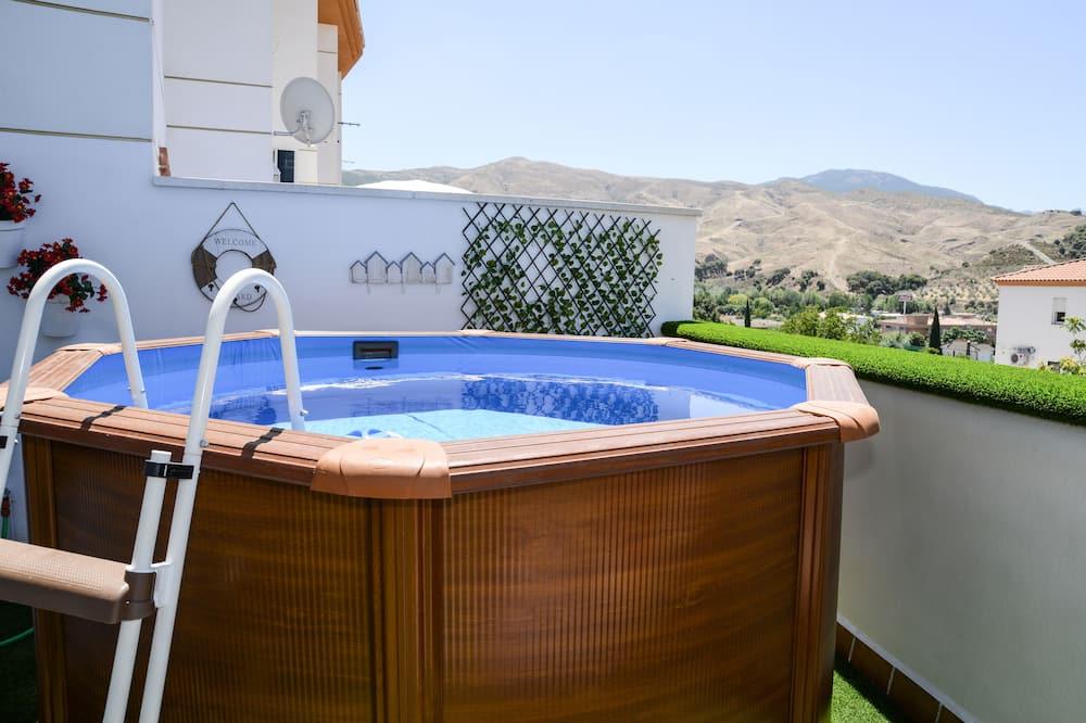 Appartement, 2 chambres (jacuzzi seasonal on the terrace) - Bain à remous extérieur