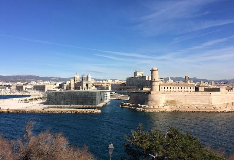 Un Duplex au Panier, Marseille, Pandangan dari hartanah