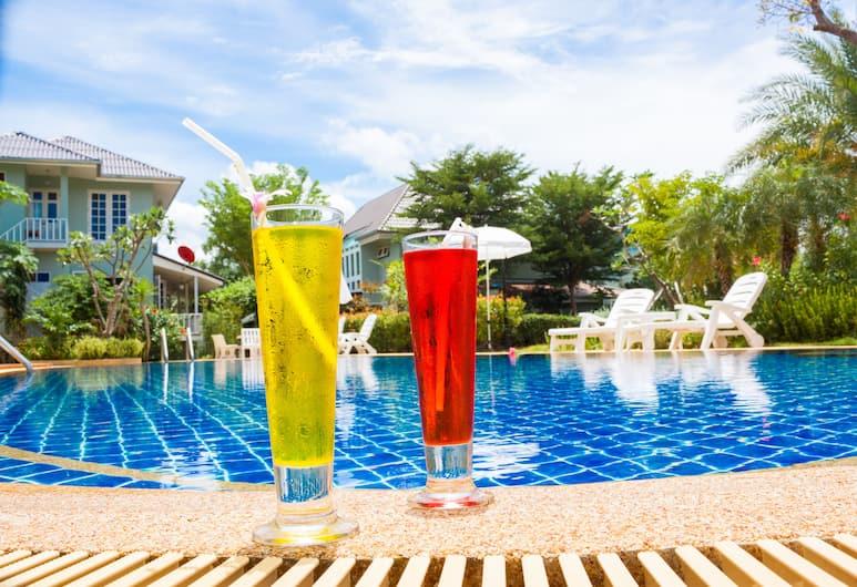 甜蜜蜂蜜酒店, 三百峰, 泳池