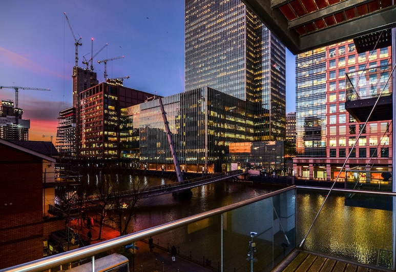 Canary Wharf - Corporate River View Apartments, London, Luxury Apartment, 1 Bedroom, Front of property - evening
