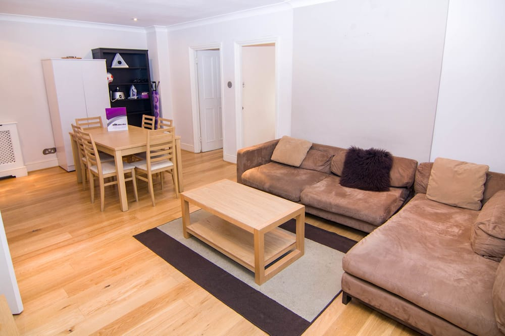 City Apartment, 2 Bedrooms - Living Area