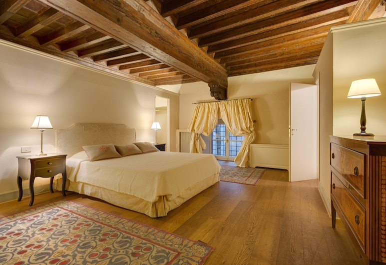 Family Apartments Palazzo Salviati, Florence