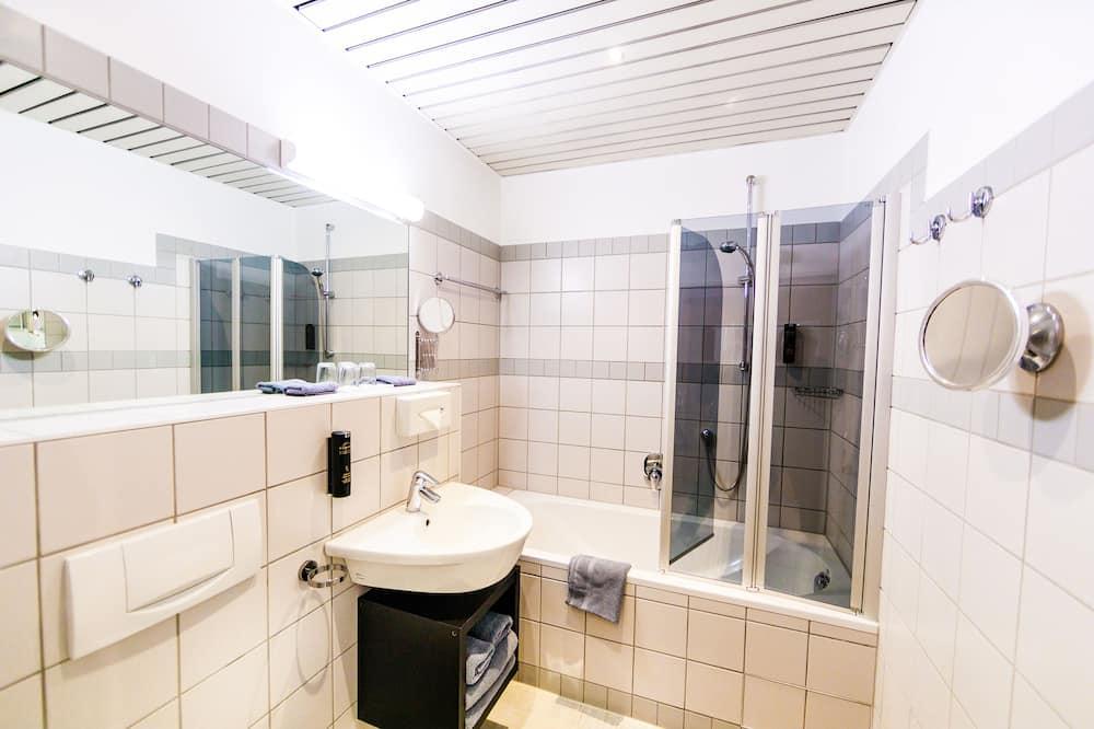 Basic-dobbeltværelse - 1 soveværelse - ikke-ryger - Badeværelse