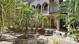 Imagen de Pueblo Colonial 16 Bedroom by RedAwning en Tamarindo