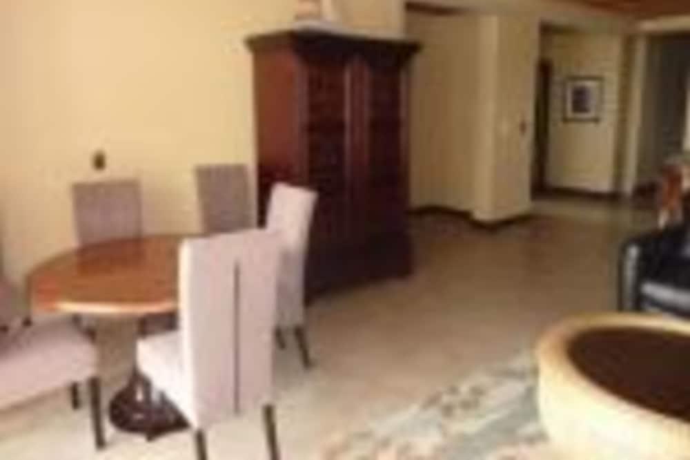 Condo, 3 Bedrooms, Bathtub, Beach View (Tres Regalos #302S) - In-Room Dining