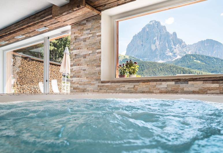 Hotel Jägerheim, Сельва-ді-Валь-Гардена, Спа-ванна в приміщенні