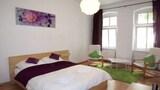 Selline näeb välja Vacation Apartment in Berlin 8392 by RedAwning, Berliin