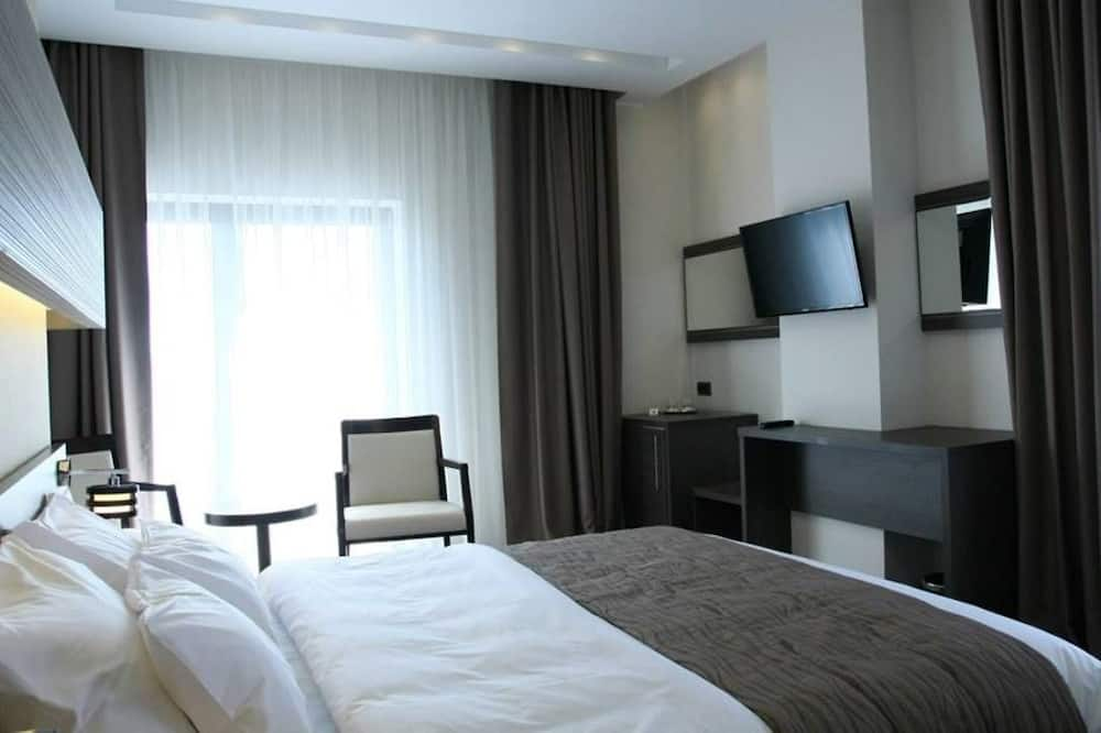 Basic Single Room, 1 King Bed, Balcony, Sea View - Guest Room