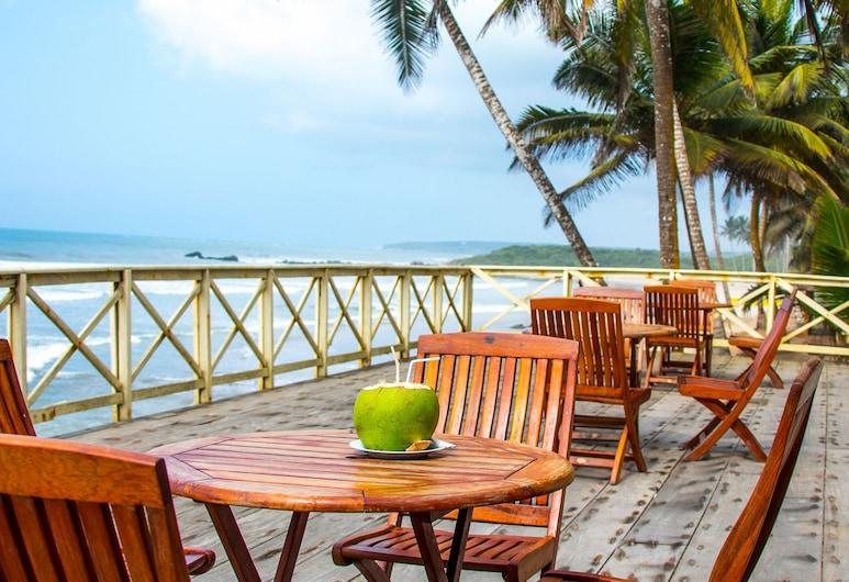 Anomabo Beach Resort, Anomabo, Terrace/Patio