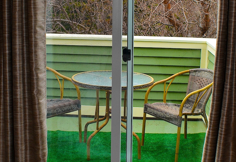 Carrolls Green, Holyrood, The Apple Tree Suite, Balcony