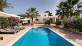 Choose this Villa in Sant Josep de sa Talaia - Online Room Reservations
