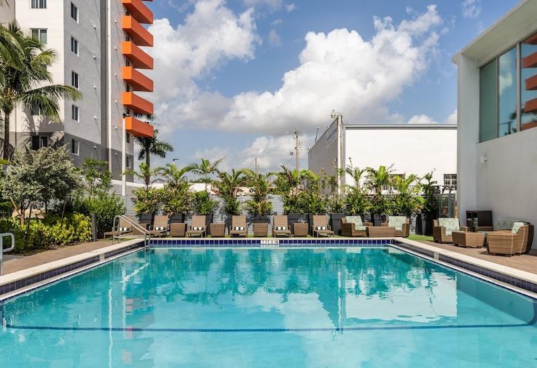 Holiday Inn Miami North – I-95, an IHG Hotel, מיאמי, בריכה