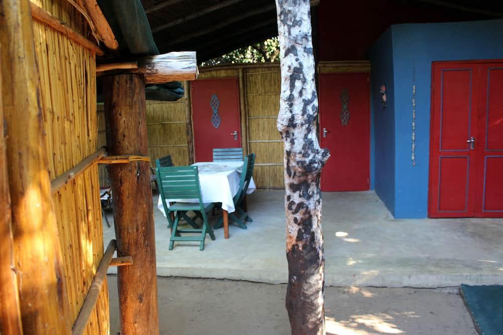 Deluxe Cabin (4 sleeper) - Living Area