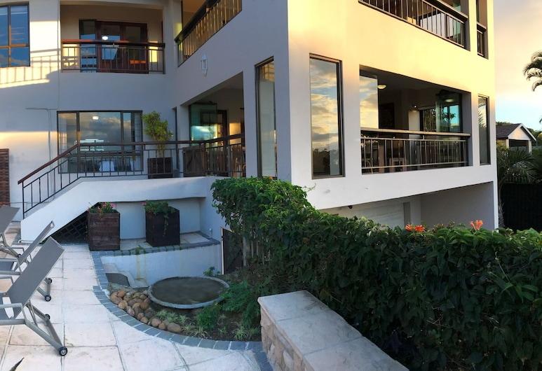 라벤더 문 게스트 하우스, Umhlanga, 수영장