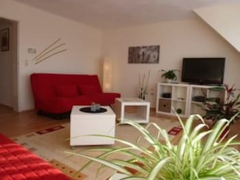 Picture of Luxury Vacation Apartment in Koblenz Wallersheim 1772 by RedAwning in Koblenz