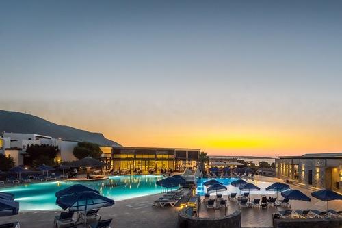 娜娜金色海灘飯店