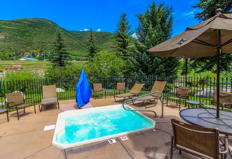 Aspen at Streamside, a VRI resort, Vail, Outdoor Spa Tub