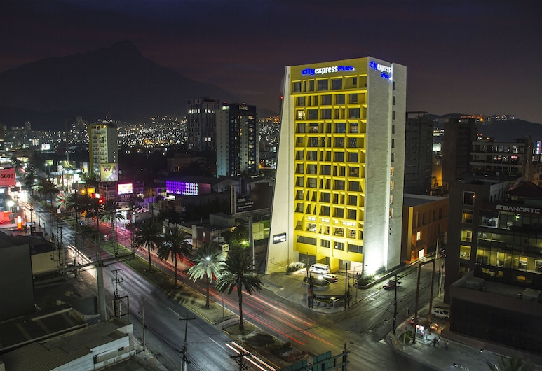 City Express Plus Monterrey Galerías, Monterrey