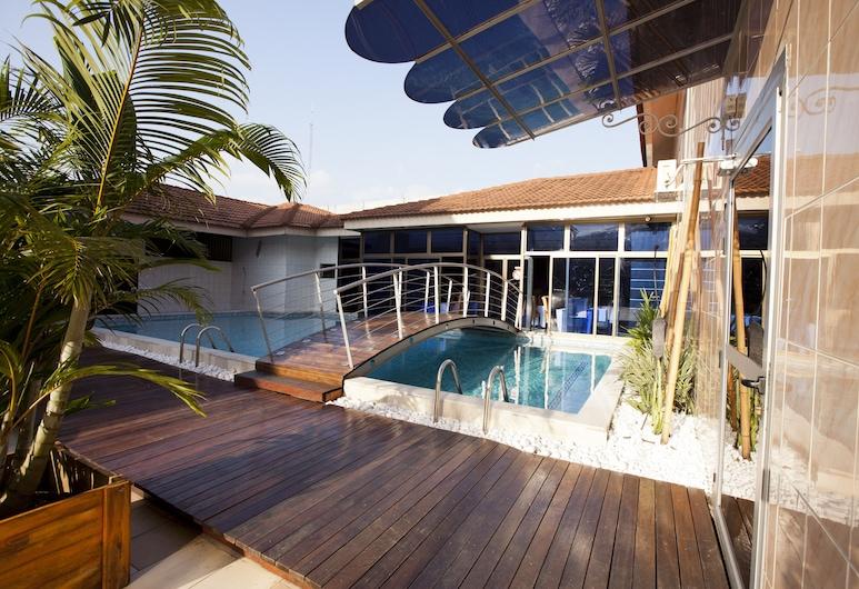 Les Résidences DIPPOKA, Abidjan, Udendørs pool