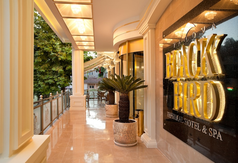 Black Bird Thermal Hotel & Spa, Yalova, Entrada del hotel
