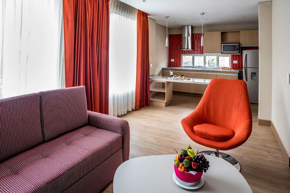 Family Apartment, 2 Bedrooms - Ruang Tamu