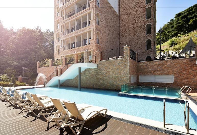 호텔더숨포레스트, 용인시, 야외 수영장