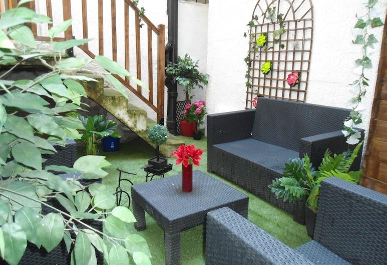 Appart Jardin en Ville Coeur de Nantes, Nantes, Garden