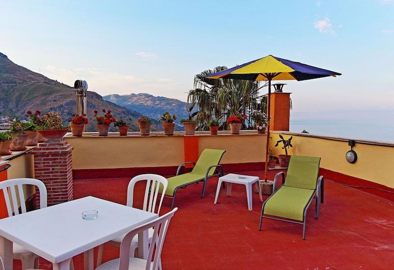 โรงแรมอินน์ปิเอโร ทาออร์มินา, ทาโอร์มินา, ลานระเบียง/นอกชาน