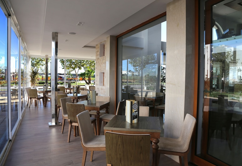A44 飯店, 特陶恩, 室外用餐