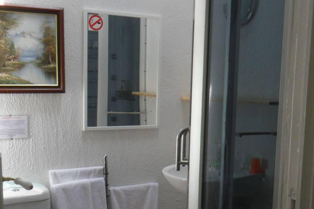 Двомісний номер, з видом на сад - Ванна кімната
