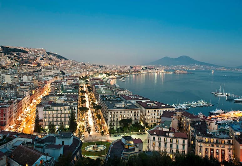iBed Napoli, Napels, Strand