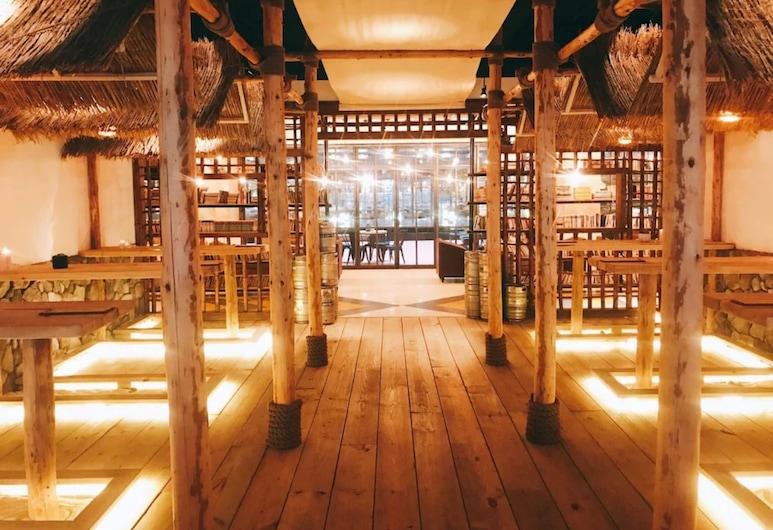 HOTEL PAPA WHALE, Taipei, Bar Hotel