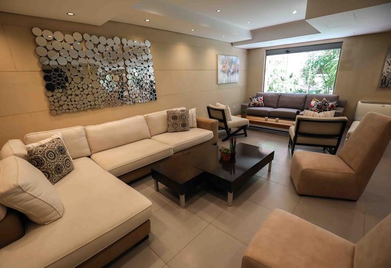 Sky Suites, Beirut, Sitzecke in der Lobby