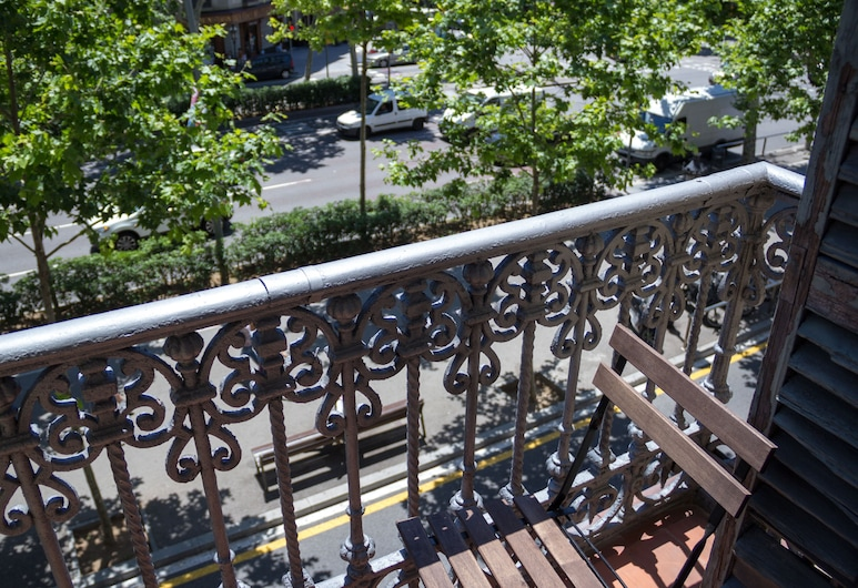 Hostalin Barcelona Gran Via, Barcelona, Double Room, 1 Queen Bed, Balcony, City View, Balcony