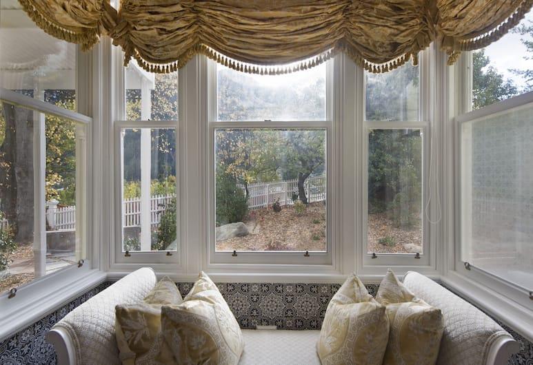 Hulbert House, Queenstown, Svit Premium - utsikt mot trädgården, Utsikt mot trädgården