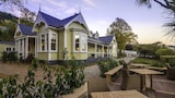 Choose This Boutique Hotel in Queenstown -  - Online Room Reservations